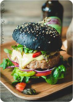 Pan De Hamburguesas Con Tinta De Calamar Recipe Burgers - Black hamburger