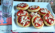 Cari pentolini queste pizzette in padella senza lievito sono strepitose e morbide. Veloci da realizzare e con pochi ingredienti. Le pizzette in pade