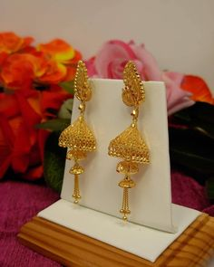 Gold Bangles Design, Gold Earrings Designs, Gold Jewellery Design, Gold Jhumka Earrings, Gold Bridal Earrings, Gold Jewelry Simple, Stylish Jewelry, Gold Mangalsutra Designs, Fancy Jewellery