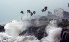 Desalojan residentes costa norte de Puerto Rico por fuertes oleajes - Noticias SIN - Servicios Informativos Nacionales