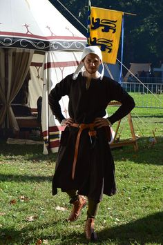 half of century, woolen tunic with woolen trousers, linen cap Medieval Tunic, Medieval Clothing, Renaissance Costume, Medieval Costume, Historical Costume, Historical Clothing, Mens Garb, Landsknecht, Dark Ages