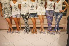 Presentes madrinhas de casamento, chinelos personalizados e camisetas divertidas