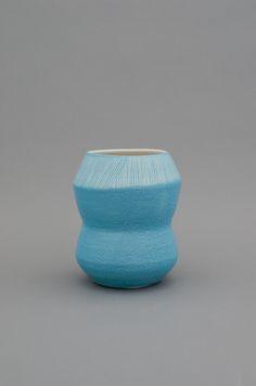 Shio Kusaka blue vessel