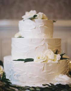 Utterly Engaged :: Issue No. 25 :: Humble Beginnings by Utterly Engaged Wedding Magazine - issuu #wedding #cake