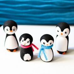 Wooden Simple Cartoon Penguin Craft Shapes Polar Bird Winter Zoo Wooden Simple Cartoon Penguin Craft Shapes Polar Bird Winter Zoo AnimalWooden penguin for Crafts Doll Crafts, Cute Crafts, Crafts To Do, Crafts For Kids, Wood Peg Dolls, Clothespin Dolls, Wooden Christmas Ornaments, Christmas Crafts, Christmas Decorations