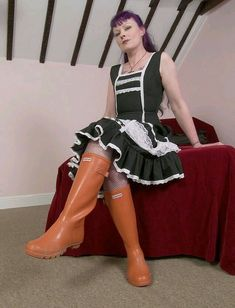 Females who wear Hunter Wellies, Hunter Boots, High Heel Boots, Heeled Boots, High Heels, Nylons, Womens Gothic Boots, Wellington Boot, Vintage Boots