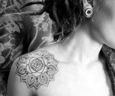 mandala tattoo epaule femme - Recherche Google