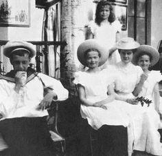Grand Duke Dmitri Pavlovich, Grand Duchesses Olga, Maria, Maria Pavlovna, and Tatiana: 1905.