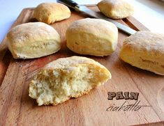 Pain ciabatta (a l'huile d'olives) Pain Ciabatta, Brioche Bread, Yummy Food, Tasty, Bread And Pastries, Food Truck, Hot Dog, Food Videos, Bakery