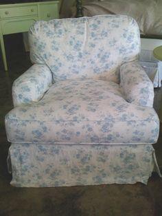 Love Rachel Ashwell Shabby Chic furniture and fabrics - cottagechicstore.com