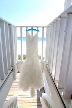 beach wedding Pronovias