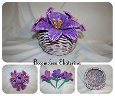Newspaper Flowers, Newspaper Basket, Newspaper Crafts, Willow Weaving, Basket Weaving, Rolled Paper Art, Pine Needle Baskets, Weaving Designs, Art N Craft