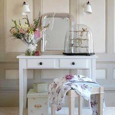 Bedroom dressing table