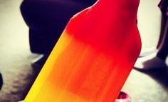 Het iconische raketijsje met de smaken framboos, sinaasappel en ananas vierde in 2012 zijn vijftigste verjaardag. In mei zal de laatste lading hoogstwaarschijnlijk in de winkels liggen. http://nl.metrotime.be/2016/03/25/must-read/raketijsje-verdwijnt-na-meer-dan-50-jaar/