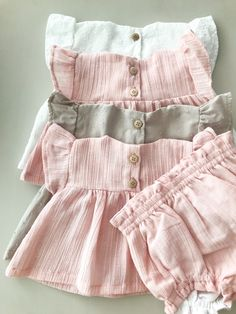 Little Girl Dresses, Little Girls, Girls Dresses, Dress Anak, Newborn Shoes, Baby Sewing, Baby Dress, Couture, Baby Kids
