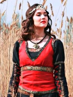 Lady Hunter Bodice - medieval clothing renaissance costume medieval