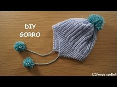In this tutorial we knit a baby hat step by step. Wht we need to knit this hat is: 45 grams of 4 mm. Baby Knitting Patterns, Baby Hats Knitting, Crochet Baby Hats, Knitting For Kids, Knitted Hats, Crochet Patterns, Knitting Videos, Crochet Videos, Knitting Projects