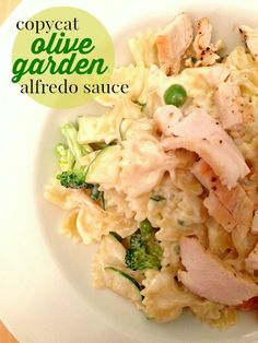 This copycat Olive Garden Alfredo sauce is rich, flavorful, creamy, and tastes just like the sauce you get in the restaurant.