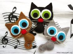Artículos similares a Lucky the cat - felt brooch or magnet, animal brooch or magnet en Etsy Fabric Crafts, Sewing Crafts, Sewing Projects, Felt Cat, Creation Couture, Felt Brooch, Felt Patterns, Cat Crafts, Felt Fabric