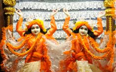 To view Nitai Gaurachandra Close Up Wallpaper of ISKCON Chowpatty in difference sizes visit - http://harekrishnawallpapers.com/sri-sri-nitai-gaurachandra-close-up-wallpaper-016/