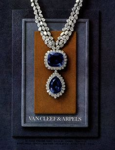 Van Cleef & Arpels 1964 sapphire and diamond necklace. Sapphire Jewelry, Diamond Jewelry, Gold Jewelry, Vintage Jewelry, Fine Jewelry, Jewelry Necklaces, Sapphire Necklace, Diamond Pendant, Diamond Choker
