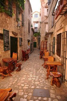 Small alley restaurant in Trogir - Croatia Places Around The World, The Places Youll Go, Places To Visit, Around The Worlds, Saint Marin, Beautiful World, Beautiful Places, Magic Places, Croatia Travel