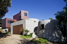LUFF HOUSE  BARWON HEADS, VICTORIA  New residence - completed 2013