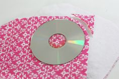 Great idea for rounding corners on a sewing project, just cut around the edge of a CD!  From- Sew Much Ado: Tutorial: 3 Easy Burp Cloth Variations