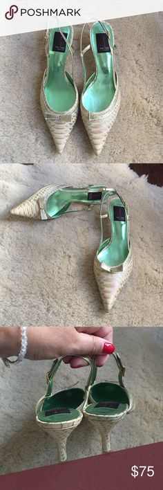 1 Hour Sale ‼️Beautiful exoctic skin shoes Preloved in excellent condition kitten heels exoctic skin pointy toe shoes Shoes Heels