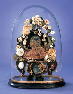 View Catalog Item - Theriault's Antique Doll Auctions ~ Globe de Mariee with Brides Coronet, Family Objects ~ circa 1915