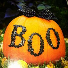 Halloween - button boo pumpkin