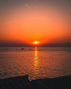 . . . #photooftheday  #photography #photo #picture #nikon #d5300 #nature #beauty #beautiful #tree #pretty #landscape #igersgraz #iggraz #igersaustria #croatia #rovinj #sunset #sun #ocean #sea #ship #cloud #romance #romantic Croatia, Nikon, Romance, Ocean, Clouds, Ship, Sunset, Beautiful, Beauty