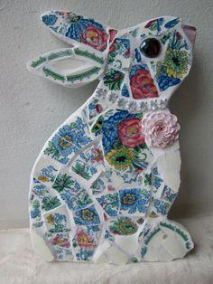 Mosaic Rabbit made from vintage pottery. by JubesOriginals on Etsy - Gartenkunst Mosaic Art Projects, Mosaic Crafts, Mosaic Ideas, Mosaic Animals, Mosaic Birds, Mosaic Rocks, Mosaic Glass, Stained Glass, Mosaic Mirrors