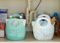 小久保工業所 スリム収納バスケット2個組キッチンやシンク下、お風呂場など収納しにくい細々した小物などをすっきり、可愛く収納できます。洗えるので便利です。