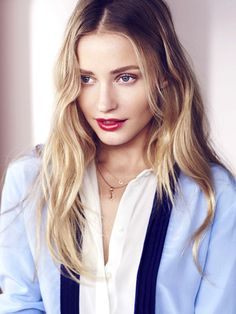 30-Second Summer Hair and Makeup Tricks - It's summer. There will be sweat. Correction: There will be dewiness. But with these 30-second hair and makeup tricks, you'll look effortlessly beautiful, whatever the weather's doing.