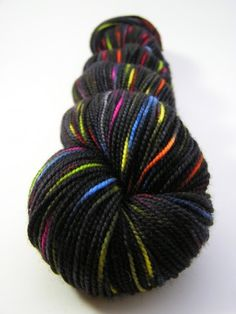 Gorgeous yarn from EverythingOld on Artfire!! AND she's local to me! Um, SUPER tempted.