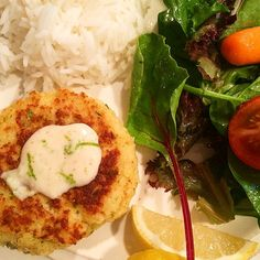 Shrimp Cakes with Lime Chili Aioli from Low-FODMAP 28-Day Plan #yum #dinner #fodmap