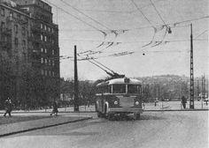 1960 körül.  A 76-os troli befordul a Csanády utcába