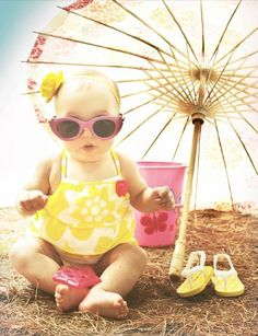 Pretty creative vacation months p… Baby girl summer beach photography. Cool Baby, Baby Love, Children Photography, Newborn Photography, Toddler Beach Photography, Summer Photography, Photography Ideas, Baby Am Strand, Photo Bb