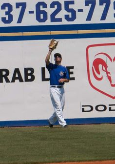 Matt Williams makes the catch in left field to get the first out of the game