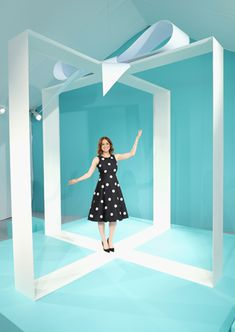 10 Best Ideas of the Week: Shoelace Curtains, a Giant Gift Box Photo Op, Suspended Slinkys Tiffany & Co.-Podium: Die Schmuckmarke Tiffany & Co. Stand Design, Display Design, Booth Design, Box Photo, Breakfast At Tiffanys Party Ideas, Unbreakable Kimmy Schmidt, Event Branding, Lucky Brand Jewelry, Modern Love