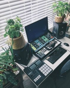 Peace and (mostly) quiet ✌🏼-- this one is a favorite. Small, green, alive home studio setup for production n song writing. Music Studio Decor, Home Studio Setup, Studio Desk, Home Studio Music, Home Office Setup, Dream Studio, Studio Musica, Music Desk, Home Music Rooms
