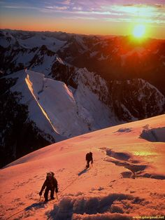 Sunrise on the Lendenfeld ridge of Mt Tasman, New Zealand