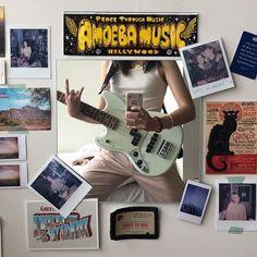 via Diane Silvers insta Dream Rooms, Dream Bedroom, Bedroom Inspo, Bedroom Decor, Indie Room, Room Goals, Aesthetic Room Decor, Photo Instagram, My New Room