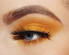 Yellow eyeshadow look ( perfect yellow honey eye shadow look using a 4$ dupe for the Anastasia Beverly Hills subculture palette )