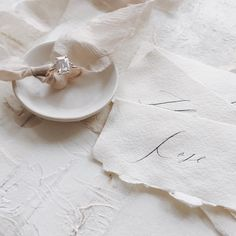 Minimal, clean, romantic and still natural. Wedding Pins, Wedding Art, Wedding Ideas, Simple Wedding Invitations, Wedding Stationary, Wedding Stationery Inspiration, Wedding Inspiration, Blush And Grey Wedding, Silk And Willow