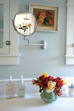 Lake and Home Magazine - Quaint Bathroom Decor