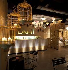 Love the bird cages with candles. Multiculturalidad asiática en el nuevo restaurante madrileñ #light