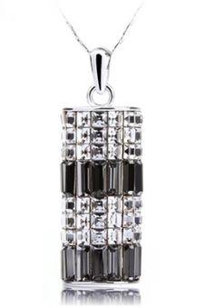 Elegant Three-dimensional Hollow Design Crystal Necklace - US$ 29.99