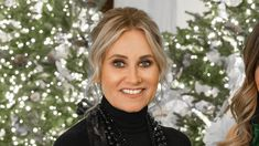 "Maureen McCormick talks favorite part of White House Christmas special: 'It was magical' Maureen McCormick talks about hosting HGTV's upcoming ""White House Christmas Maureen Mccormick, Kelsey Merritt, Star Family, Heather Graham, Celebrity Bikini, Christie Brinkley, Elizabeth Hurley, Jessie J, Trend News"
